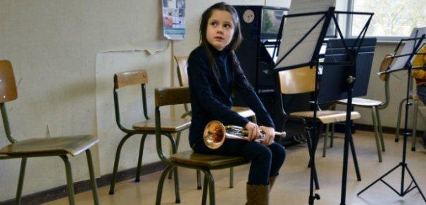 girl-in-music-class-Z