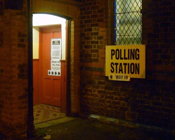 polling-station-02