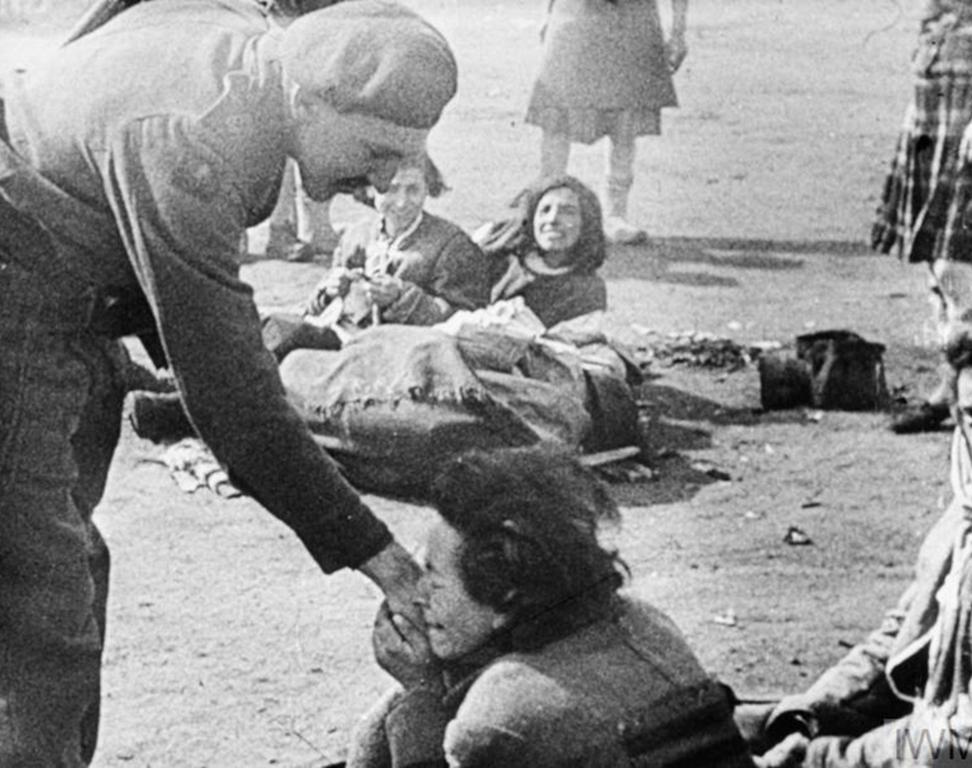 Holding hands, Belsen image
